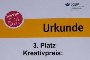 Foto der Urkunde des Kreativpreises der DGUV